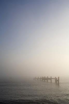 Uk - Happisburgh - Seabreaks in the water
