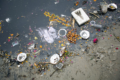 India - Delhi - Rubbish on the banks of the Yamuna River by the Kudsia Ghat in Delhi