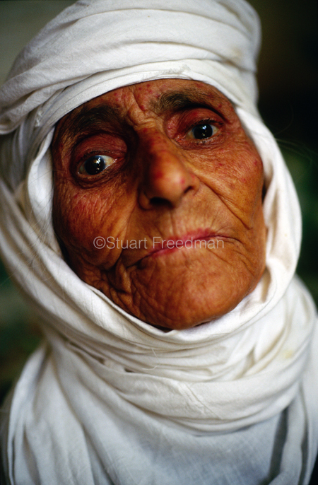 Iraq - Mosul - An old  Yezidi woman
